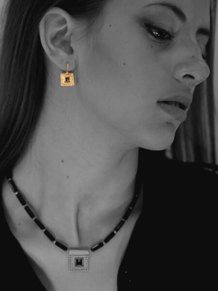 Journey Square onyx vermeil earrings